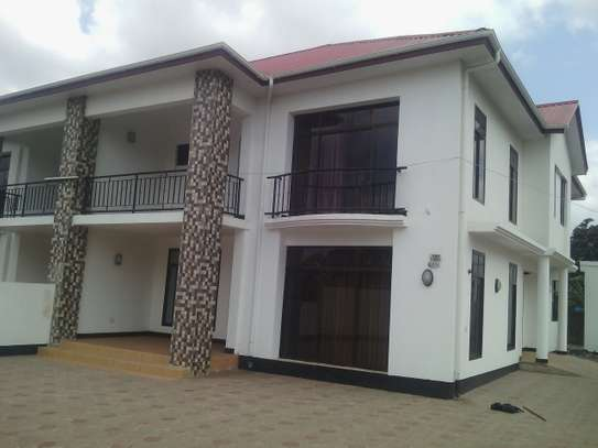 4BEDR.HOUSE FOR RENT AT NJIRO ARUSHA image 1