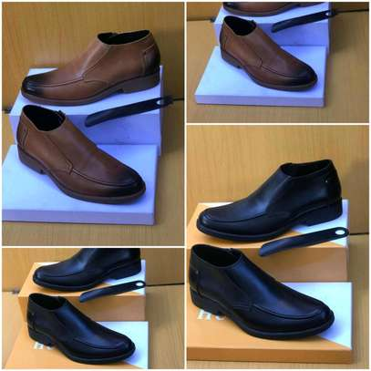 Quality mens shoes available image 3