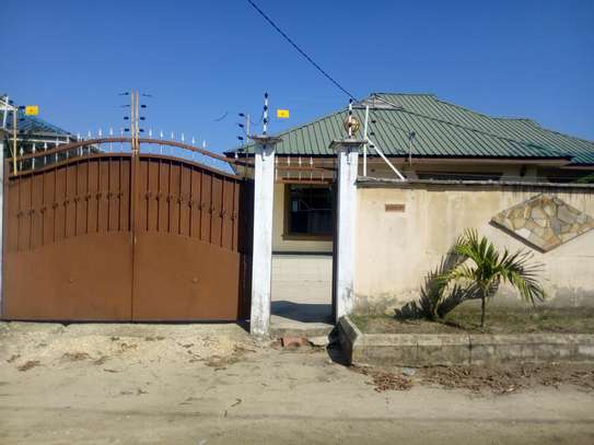 2bedroom House for sale at Boko beach. Tsh 90M image 14