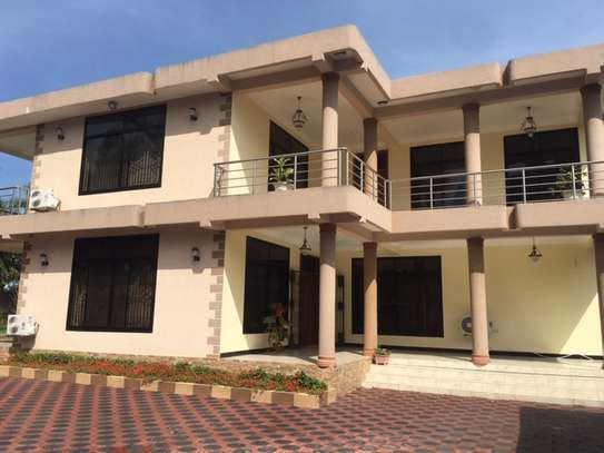 8 bedrooms House/villa for Sale at Kigamboni image 1