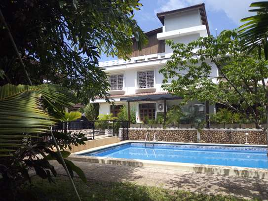 Standalone House to let in Masaki with swimming Pool