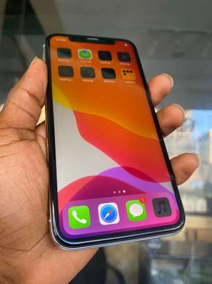 iPhone X 64GB Silver for sale image 3