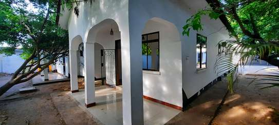 a 4bedrooms UNFURNISHED standalone in MASAKI  is now available for RENT image 10