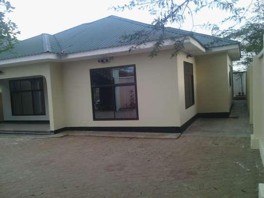 3MASTERBEDROOMS HOUSE FOR RENT AT NJIRO  PPF