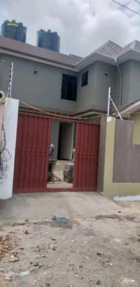 House for rent kinondon ,masterdroom ,sittingroom and kitchen at price of 400,000/=per month image 7