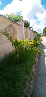 2bedroom House for sale at Boko beach. Tsh 90M image 2