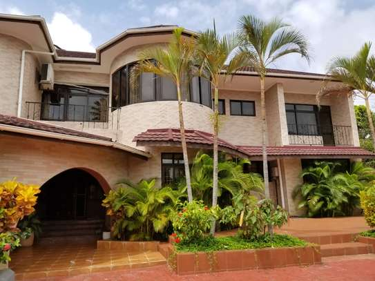 4bed house  at avacado  with nice gaeden and swimming poool image 5