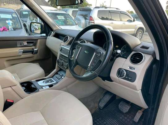 2012 Land Rover Discovery image 6
