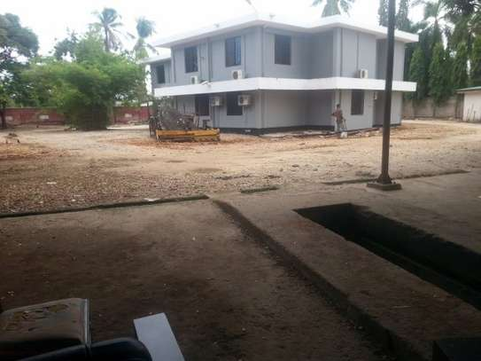12 Rooms House For Office/Home/ Hospital For ent in Kawe