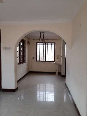 3bedroom standalone house to let in Mikocheni image 3