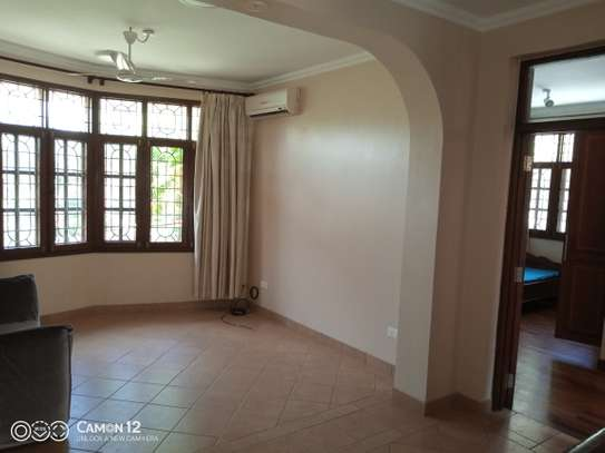4bdrm Town house to let in oyster bay image 10