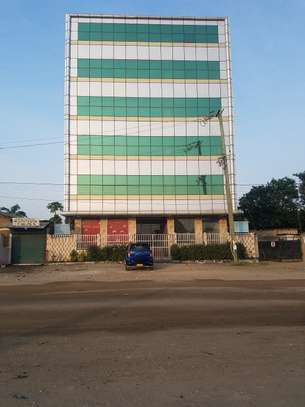 Above 1000Sqm Office Space in Bamaga,Mwenge  (Dora House )