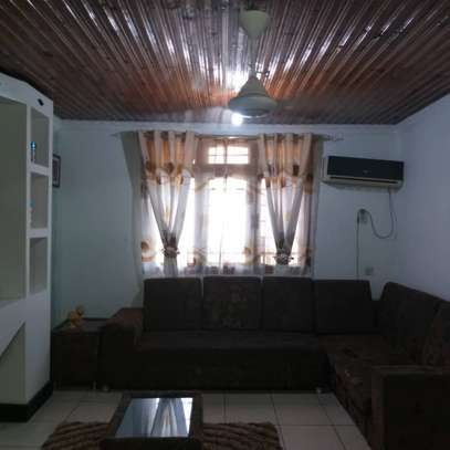 3bed apartment at upanga $1300pm for rent image 5