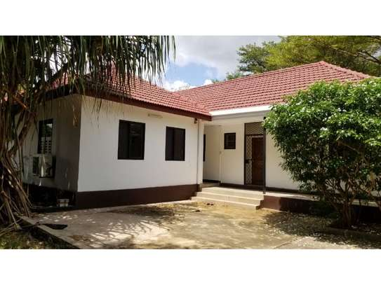 3bed a stand alone at ada estate available image 9
