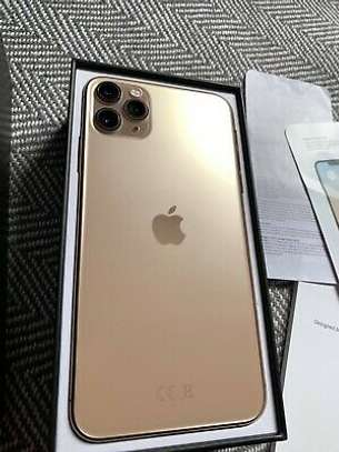 Apple iPhone 11 Pro Max - 64GB - Gold (Unlocked