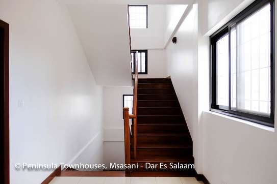 3 Bedrooms Townhouse With Sea View in Msasani image 12