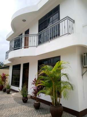 5 Bdrm House for sale in mikocheni. image 1