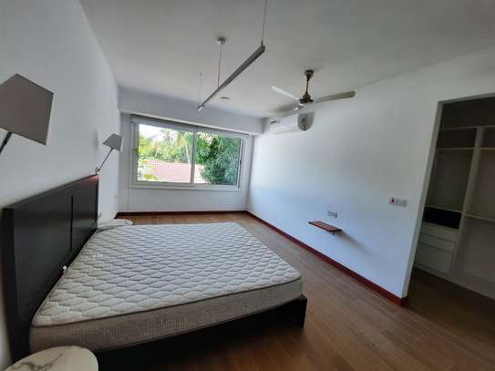 3 BEDROOMS LUXUARY APARTMENT FOR RENT image 5
