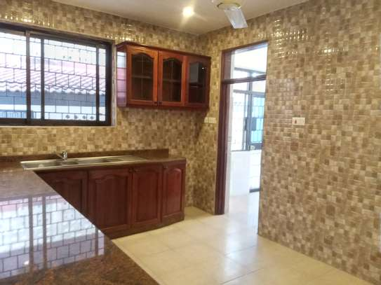 5 BEDROOMS BUNGALOW FOR RENT image 9