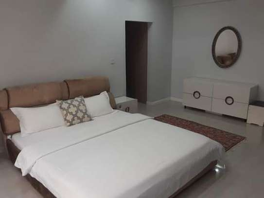 3 Bedrooom Luxury Full Furnished Apartment in Oysterbay Peninsula image 6