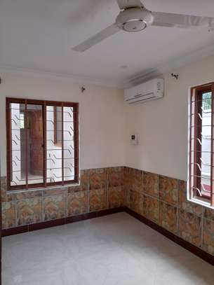 3bedroom standalone house to let in Mikocheni image 9