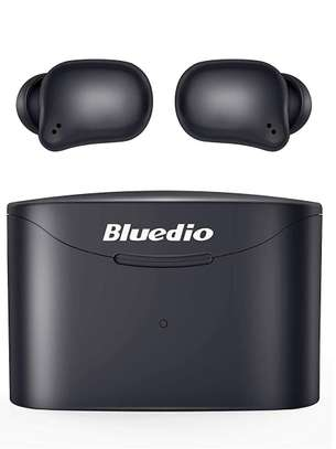 Wireless Earbuds image 1