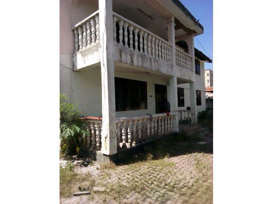 5bed house for sale at mikochen B TSH 500m image 1