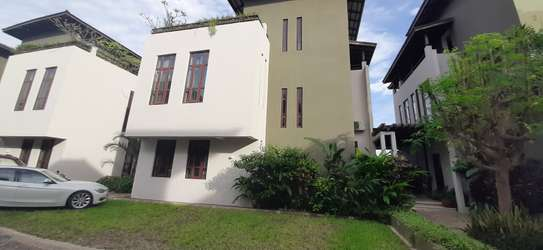 4 Bedrooms Top End Executive House For Rent in Oysterbay image 13