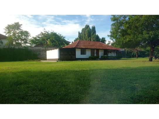 2bed house at oyster in the compound  near KCB BANK tsh 800,000 image 11