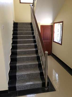 4 bed room house with servant quater for sale at jangwani sea breeze image 3