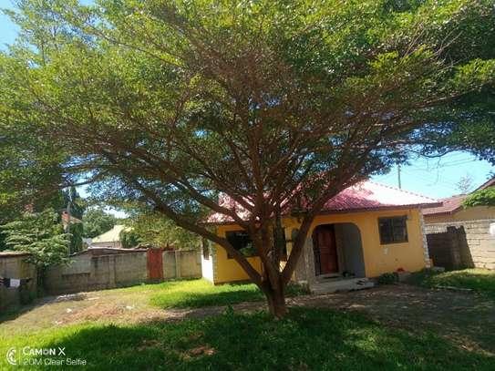 3bed house for sale at mbezi beach tshs 200mil image 3