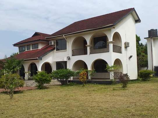 7 Bdrm House for Rent at Masaki