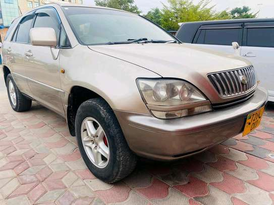 2001 Toyota Harrier image 4