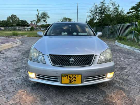 2005 Toyota Crown Athlete image 1