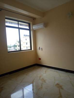 2 bedroom apartment in Msasani Tsh 700,000/- image 2