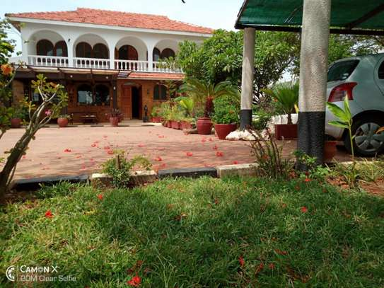 3bed house for sale at toure drive 1125sqm plot size facing the sea $2,5milion image 13