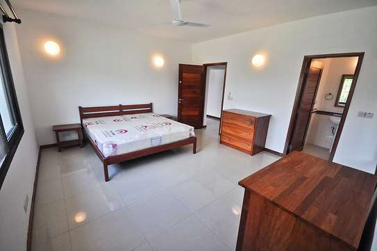 4 Bedrooms House in Compound in Oysterbay For Rent image 5