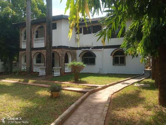 5bed house at mikocheni a $1000pm