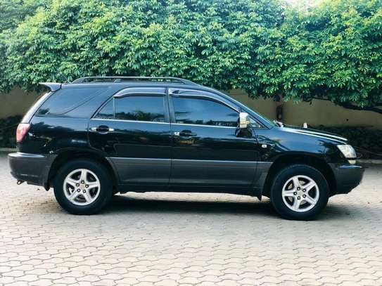 2000 Toyota Harrier image 4