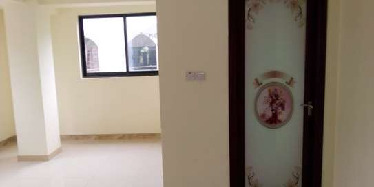 SPECIOUS 3 BEDROOMS SEMI FURNISHED FOR SALE AT KARIAKOO image 11