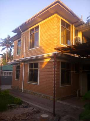 7 bedrooms House/Office to let at MAKUMBUSHO near Millennium Towered image 7