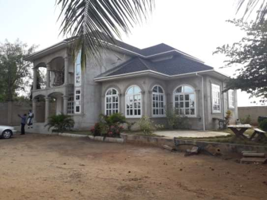 SIX BEDROOMS HOUSE FOR RENT image 2