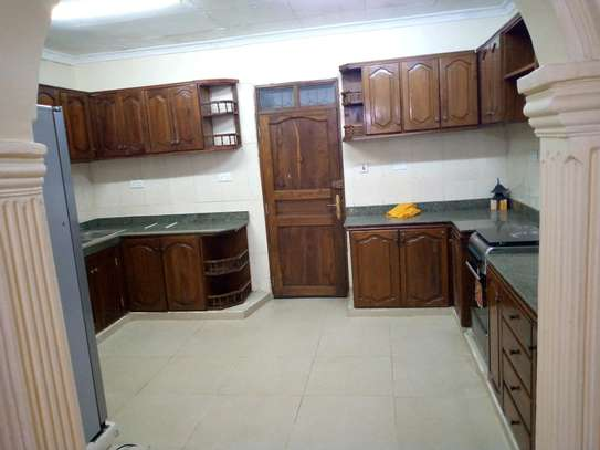 4 BEDROOMS HOUSE FOR RENT image 3