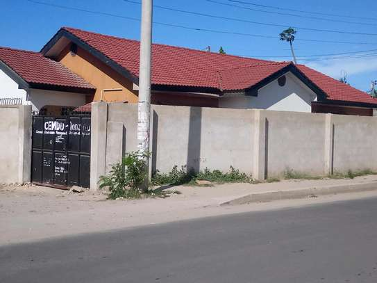 House for sale in makumbusho. image 1