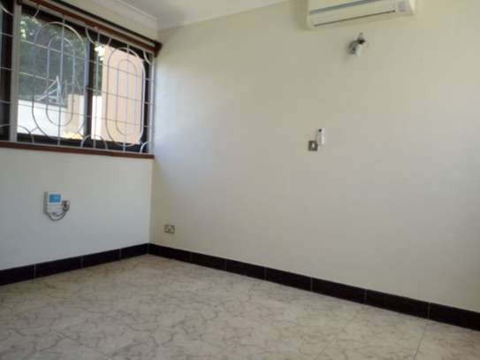3bed room house masaki $2000pm image 5