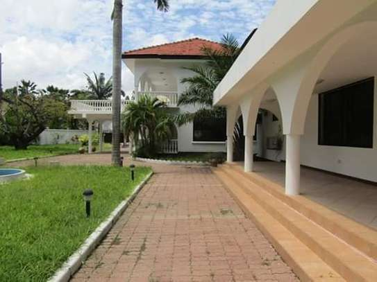 8 Bedrooms Bungalow House for Residential / Commercial Uses in off Oysterbay Ada Estate image 10