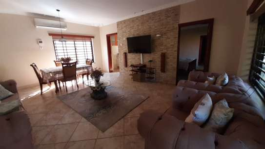 2 Bedrooms Furnished Bungalow For Rent in Oysterbay image 10
