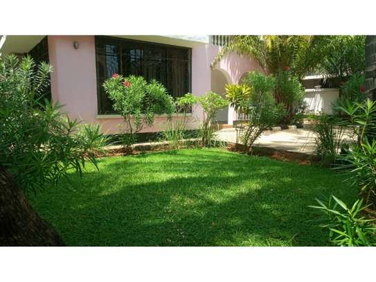 5bed town house at msasani,office,residance $1000pm image 5