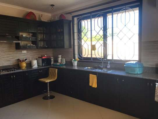 3 bed villa in the compound for rent at ununio $500pm image 13