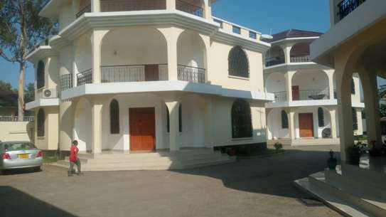 4 bed room town house for rent at msasani beach image 3